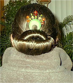 Susan Maxwell Schmidt with a Harvest Queen ColorComb hair comb in her hair